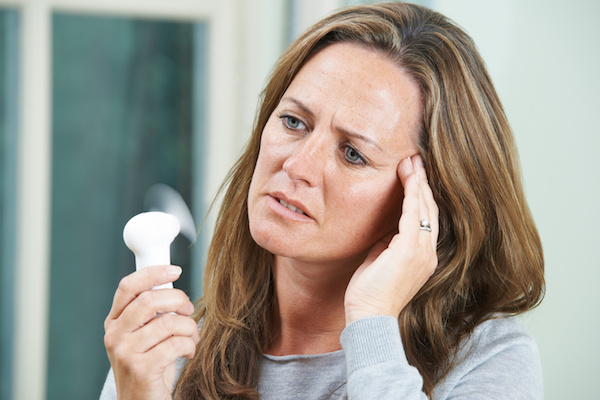 Hot flushes, hot flashes, night sweats, menopause - causes and remedies